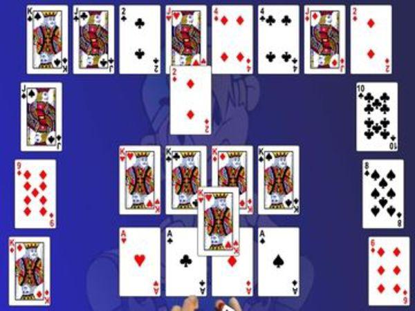 Bild zu Karten & Brett-Spiel Crecent Solitaire