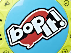 Bop-It Freestyle!