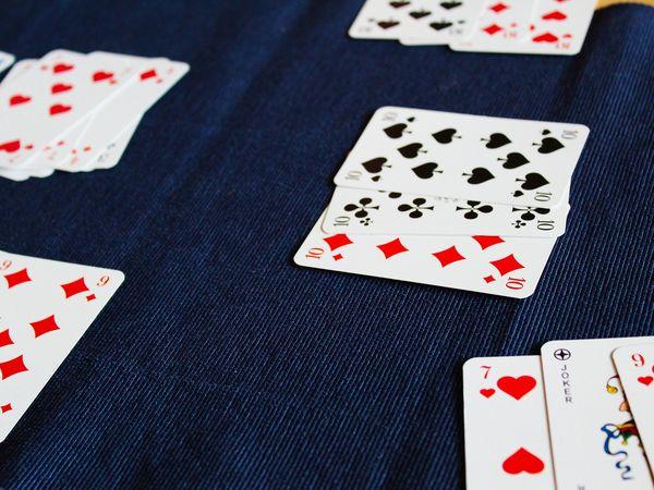 Bild zu Alle Brettspiele-Spiel Rommé